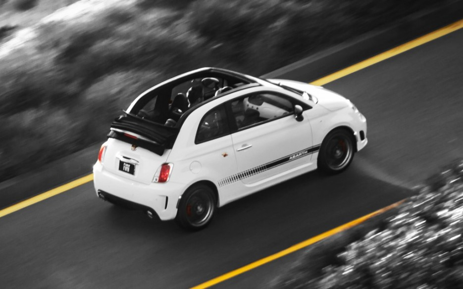 2013-Fiat-500-Abarth-Cabrio-right-rear-top-1-1024x640