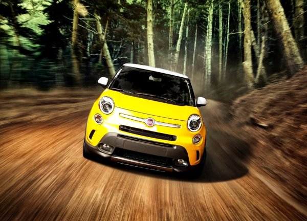 2014-Fiat-500L-US-Version-Yellow-Front-Bumper